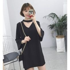 CosmoCorner - Long-Sleeve Cut Out T-Shirt Dress