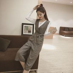 Eva Fashion - Set: Plain Long Sleeve T-Shirt + V-Neck Cropped Jumpsuit