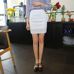 Envy Look - Scallop-Hem Lace Mini Pencil Skirt