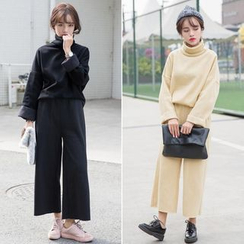 Windflower - Set: Turtleneck Top + Wide-Leg Pants