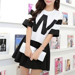 Swish - Set: Contrast Letter Short-Sleeve T-shirt + Skirt