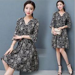 Rosehedge - Printed 3/4 Sleeve V-Neck Dress