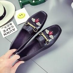 Chryse - Embroidered Loafers