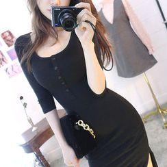 chuu - Buttoned Slit-Side Midi Dress