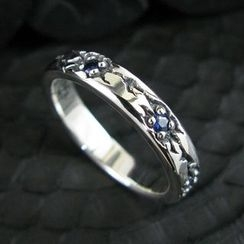 Sterlingworth - Blue Sapphire Engraved Sterling Silver Ring