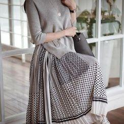 Tulander - Patterned Knit Panel Long Sleeve Midi Dress