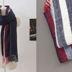 DAILY LOOK - Contrast-Trim Scarf