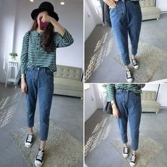 CosmoCorner - Seam Front Cropped Jeans