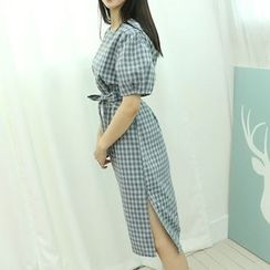 Dodostyle - Puff-Sleeve Check Midi Dress with Sash