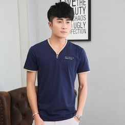 Walwa - V-Neck Short-Sleeve T-Shirt