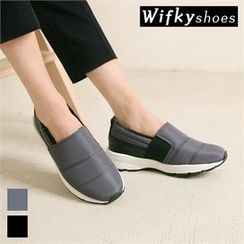 Wifky - Padded Slip-Ons