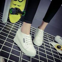Yoflap - Hidden Wedge Sneakers