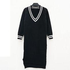 Polaris - Contrast Trim V-Neck Knit Dress