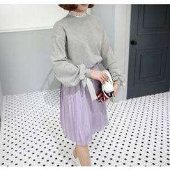 Miamasvin - Detachable Lace-Collar Tie-Cuff Sweatshirt