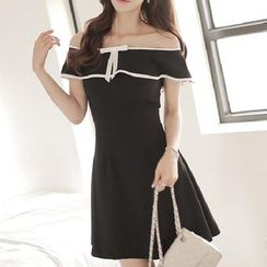 Jolly Club - Off-Shoulder A-Line Dress