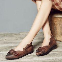LARKSPUR - 蝴蝶结真皮平跟鞋