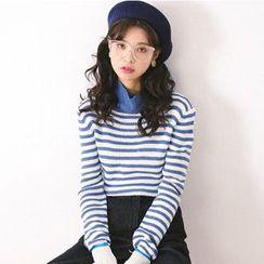 Woodie - Stripe Turtleneck Knit Top