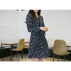 Envy Look - Tie-Neck Floral Pattern Pleated Dress