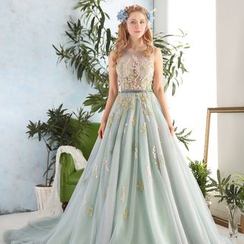 Coeur Wedding - Sleeveless Mesh Applique Ball Gown With Train