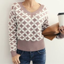 DANI LOVE - V-Neck Patterned Sweater