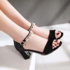Pretty in Boots - Rhinestone Strap Block Heel Sandals