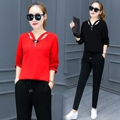 lilygirl - Set: 3/4-Sleeve Cut Out Top + Sweatpants