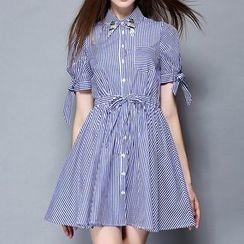 妮佳 - 短袖條紋連衣裙
