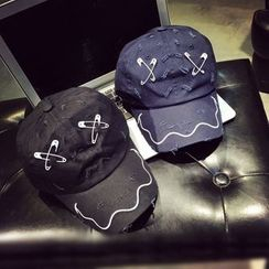 FROME - Distressed Safety Pin  Baseball Cap