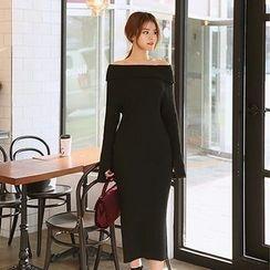 DABAGIRL - Off-Shoulder Slit-Cuff Long Knit Dress