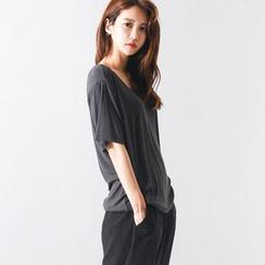 FASHION DIVA - Short-Sleeve U-Neck T-Shirt