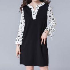 Lavogo - Mock Two Piece Split Neck Long Sleeve Dress