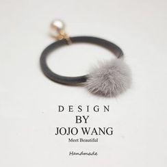 J. Wang - Pompom Hair Tie
