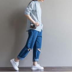 Fancy Show - Distressed Boyfriend Cropped Jeans
