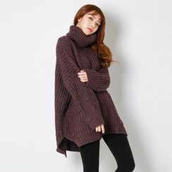 FASHION DIVA - Turtle-Neck Dip-Back Oversized Sweater