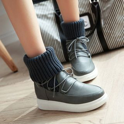 Pretty in Boots - Knit Panel Lace-Up Short Boots