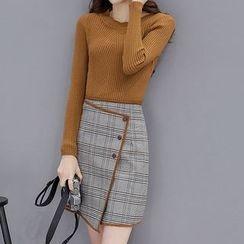 Marlene - Set: Rib Knit Top + Plaid A-Line Skirt