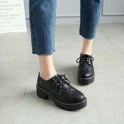 Pretty in Boots - Chunky Heel Oxfords