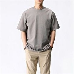 THE COVER - Round-Neck Short-Sleeve T-Shirt