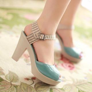 77Queen - Patent Chunky-Heel Sandals