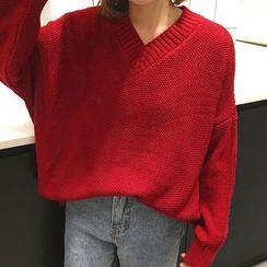 OCTALE - V-Neck Chunky Knit Sweater