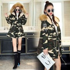 mokuchobi - Furry-Trim Hooded Camouflage Parka