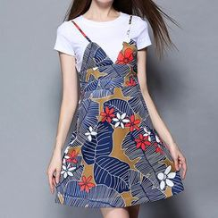 Merald - Set: Short-Sleeve T-Shirt + Strappy Patterned Dress