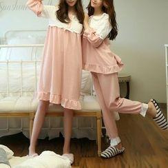 Jolly Club - Lace Shoulder Pajamas / Sleepdress