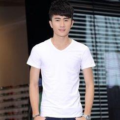 Walwa - Short-Sleeve V-neck T-Shirt