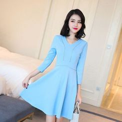 Emeline - V-Neck 3/4-Sleeve A-Line Dress