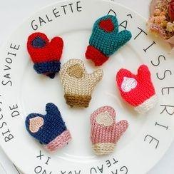 Amedama - Beanie/ Gloves Brooch