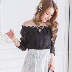 Tokyo Fashion - Off-Shoulder Appliqué Lace Top