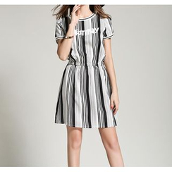 GRACI - Letter Pinstriped Short-Sleeve Dress
