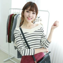 Dodostyle - V-Neck Stripe Ribbed Top