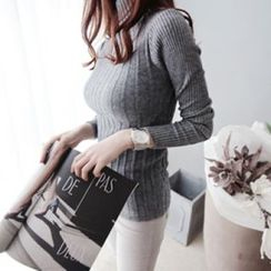 DAILY LOOK - Turtle-Neck Slim-Fit Rib-Knit Top